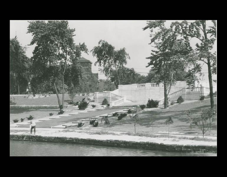 The Holden Terrace, looking toward Euclid Avenue. Cleveland Museum or Art. Archives. Records of the Fine Arts Garden. IML 900038
