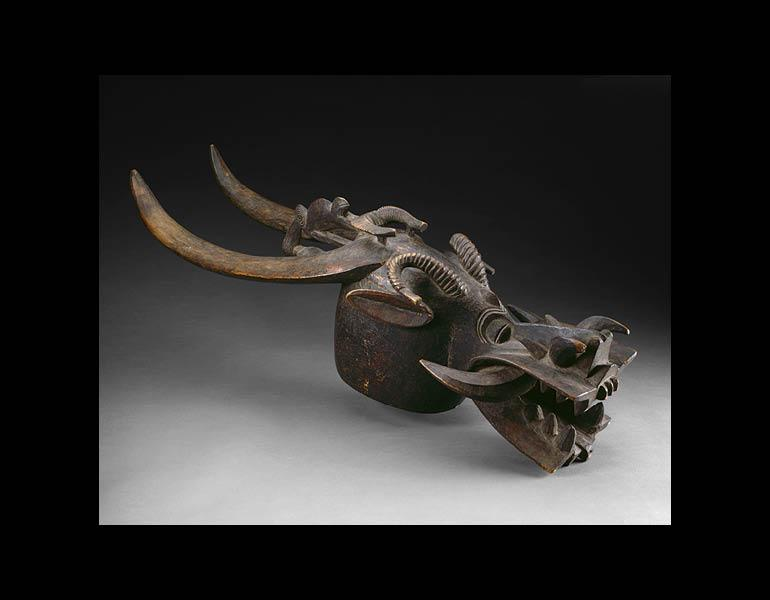 Helmet Mask. Unidentified artist. Wood; l. 102.9 cm. The Art Institute of Chicago, African and Amerindian Purchase Fund 1963.842.