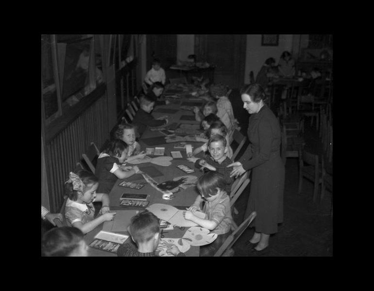 Saturday Morning class in Children's Museum, 1937. IML963440