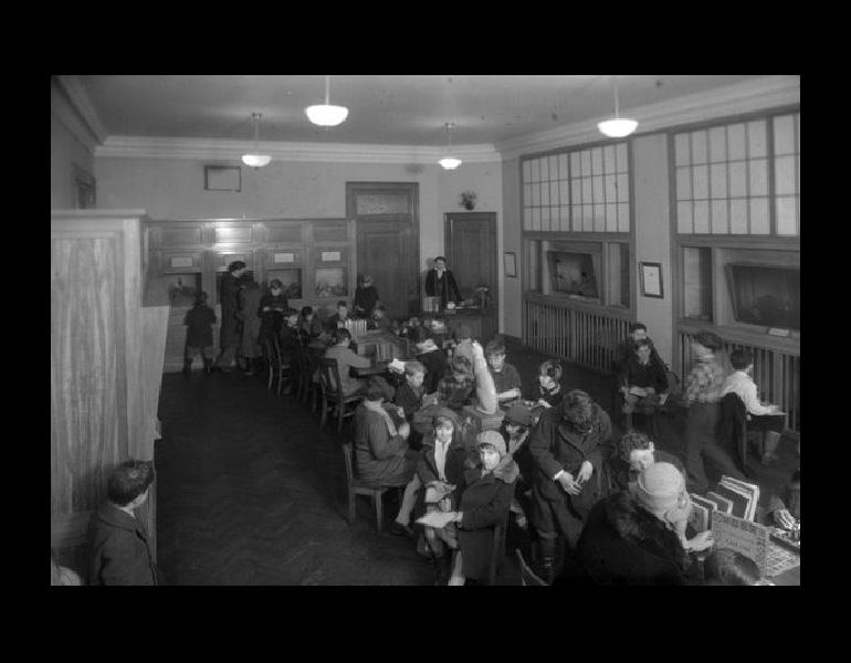 Class in Children's Museum, 1928. IML 962903